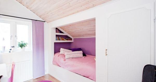 kinderzimmer mit dachschr ge leseecke und einbauschrank emelys zimmer pinterest. Black Bedroom Furniture Sets. Home Design Ideas