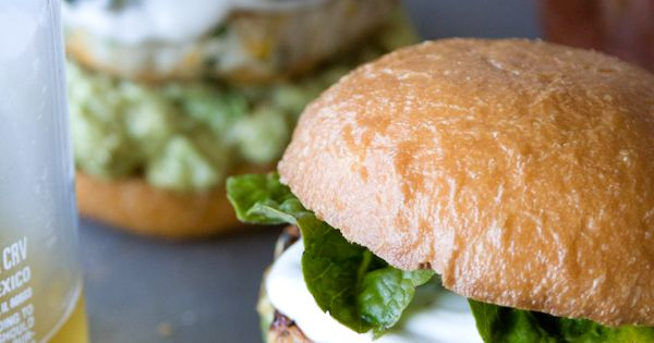 Cheddar Jalapeno Chicken Burgers with Guacamole burger yummy food cheddar chicken
