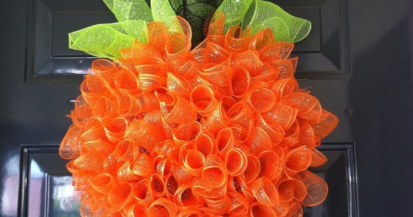 Fleur de lis and Football: DIY pumpkin wreath tutorial