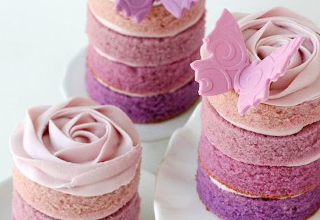 These mini cakes are beautiful. cake babyshower