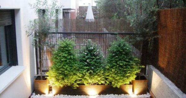 Maceteros con piedras blancas jard n y terrazas pinterest - Jardines con piedras blancas ...