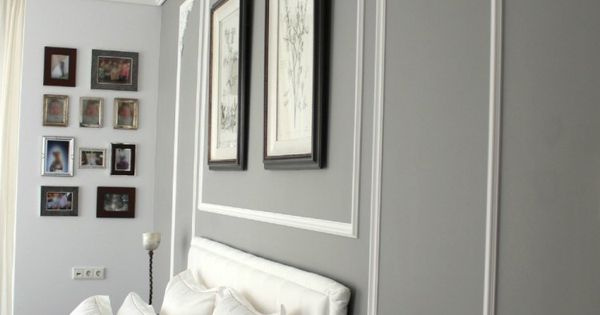graue wandfarbe und wei e stuckdekorationen an der wand haus pinterest w nde und rahmen. Black Bedroom Furniture Sets. Home Design Ideas