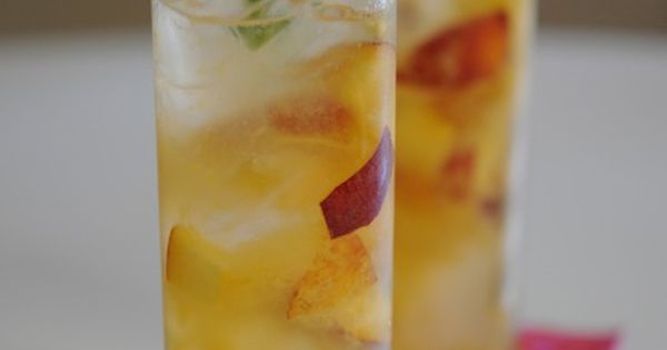 Peach Collins | Recipe | Tom collins, Simple syrup and Drinks