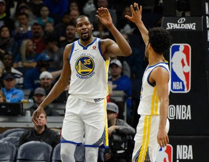 Kevin Durant And Quinn Cook Of The Golden State Warriors High Five After A Play Against The Minnesota Timberw Warriors Basketball Golden State Warriors Warrior