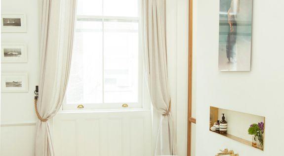 hier passt alles zusammen freistehende badewanne an der wand befestigter wasserhahn. Black Bedroom Furniture Sets. Home Design Ideas