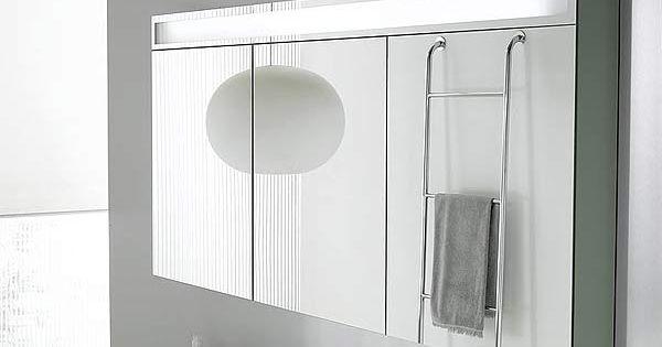 armoire de toilette design tr vise de decotec avec 3 portes miroir double face et 6 tablettes en. Black Bedroom Furniture Sets. Home Design Ideas
