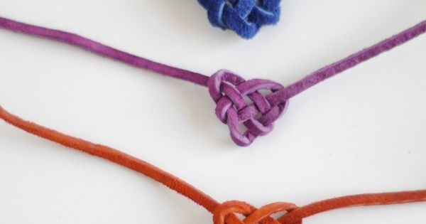 Heart Knot Friendship Bracelet...links to make adjustable tie knots video for making