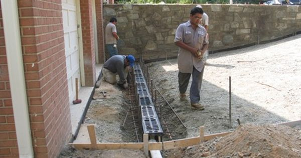 Buidling a driveway drain | Drainage | Pinterest ...