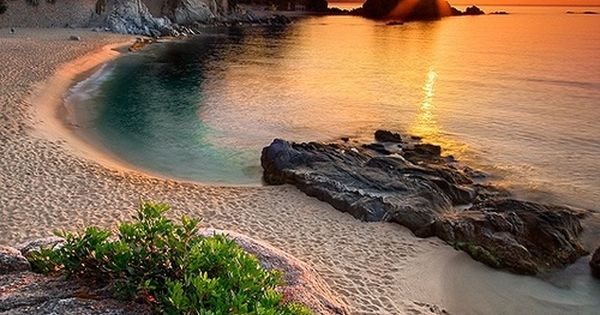 COSTA BRAVA, CATALONIA, Spain - via Mal Do's photo on Google+