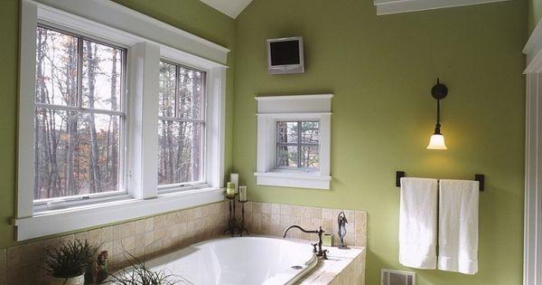 Id es d coration pour une salle de bain verte murs vert for Deco salle de bain vert menthe