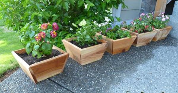 cedar planter boxes easy and cheap do it yourself. Black Bedroom Furniture Sets. Home Design Ideas
