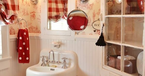 Toile Bathroom Ideas: Red Bathroom With Toile Wallpaper