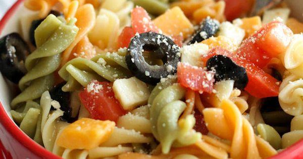 Easy and delicious Pasta Salad recipe on http://lilluna.com pasta recipes healthy food