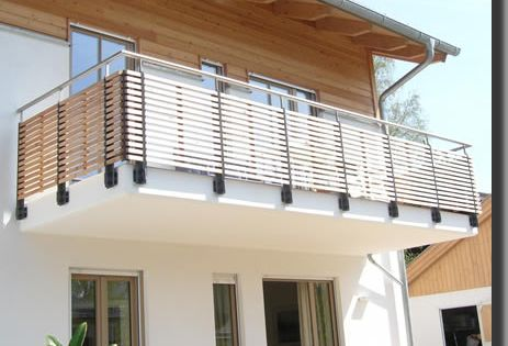 balkongel nder mit holzf llung umfunktioniertes holz pinterest balkongel nder stahl und. Black Bedroom Furniture Sets. Home Design Ideas