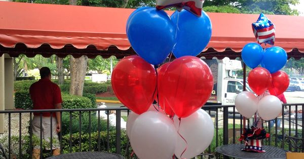 fourth of july balloon twisting