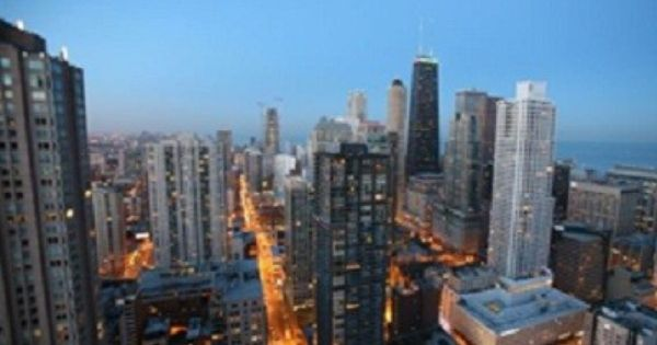 Vrbo Com 3485336ha Beautiful River North Chicago Condo Chicago Condos Chicago Vacation Vacation