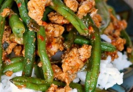 Try this healthy, new way to use ground turkey. Crisp green beans