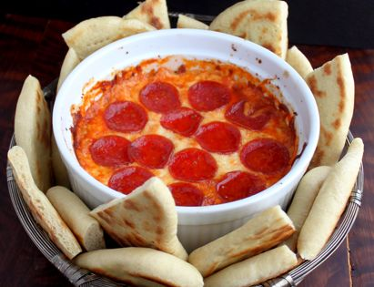 """Deep dish"" 4 layer pizza dip and flatbread"