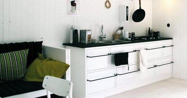 black counter, towel bar pulls