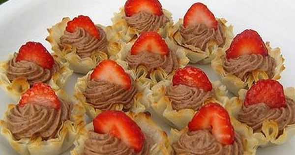 Chocolate pudding & whip cream filled Fillo Shells with Fresh Fruit ...