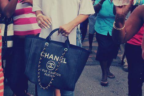 Rihanna Shopping In Barbados Rihanna. RiRi Rihanna, Riri, pinsland, apps.facebook.com... 9 3
