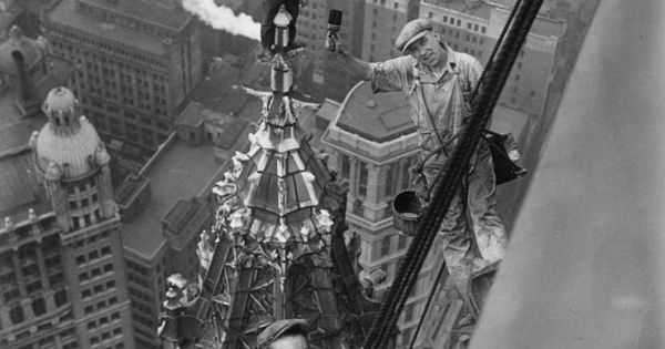 ♂ Black & white photo manhood Workers atop the Woolworth Building, New