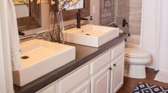 36 beautiful farmhouse bathroom design and decor ideas you for Crazy bathroom designs