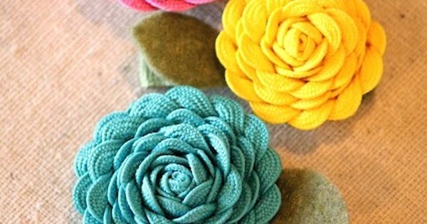 DIY Rick Rack Flower Craft - make them into hair clips