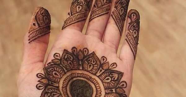 Mehndi Party Meaning : Best new year mehndi designs