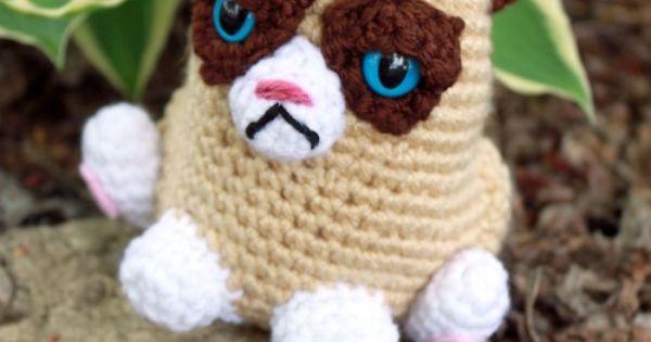 Grumpy Cat Crochet Hat Pattern Free : milesofcrochet: !!! jUsT LoVEly Pinterest