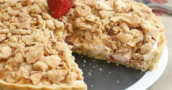 STRAWBERRY CREAM CHEESE CRUMBLE TART   Dessertsssssss...   Pinterest ...