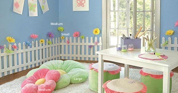 Girl 39 s garden room girls 39 flower garden bedroom and for Garden themed bedroom ideas