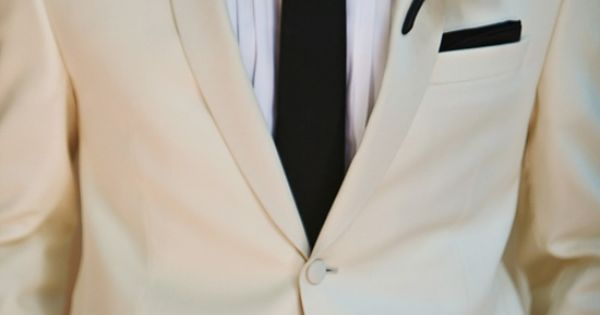 Wedding tie - #groom The black pocket square is so super sexy.