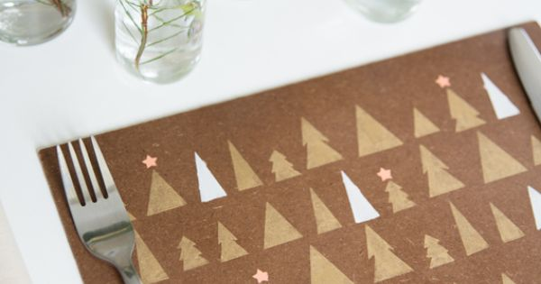 DIY Placemats : DIY Wooden Stenciled Placemats