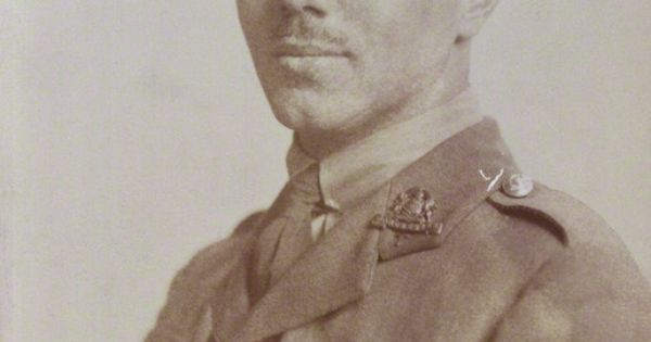 wilfred owen horror of war Throughout his body of work, wilfred owen uses explicit language techniques to capture the horror and futile of war during the course of ww1 wilfred owen's poems had significant impact on the ideology and perception of war.