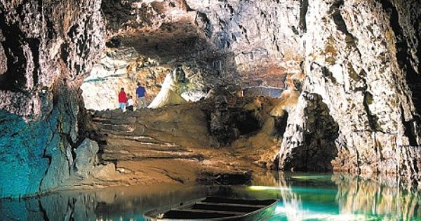 Wookey hole cavern beautiful underground caves pools - Cheddar gorge hotels with swimming pools ...