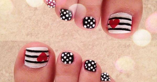 Nail art facile en 20 bonnes idées pour embellir les pieds ...