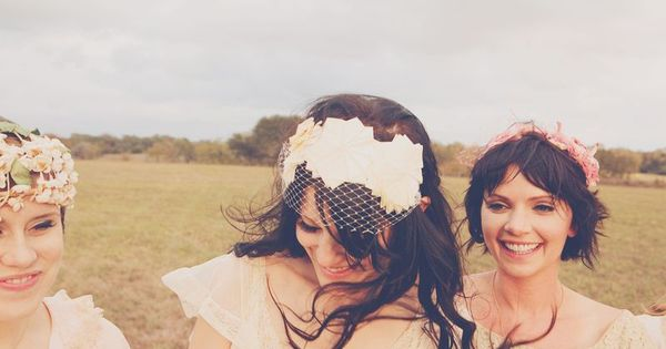 love this birdcage veil