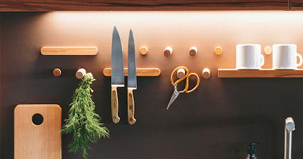 Moderne Walden Holzkuche Mit Cleveren Ideen Zur Aufbewahrung Holzkuche Holz Kuche