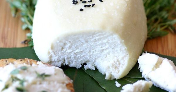 A 4-ingredient recipe for vegan basic almond cheese that can be enjoyed