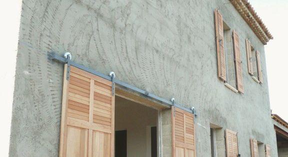 Volets persiennes bois bonnieux renovation maison - Renovation volet bois ...