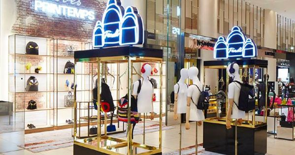 Trade Stands Glastonbury : La firma de lujo italiana fendi ha presentado su nueva pop