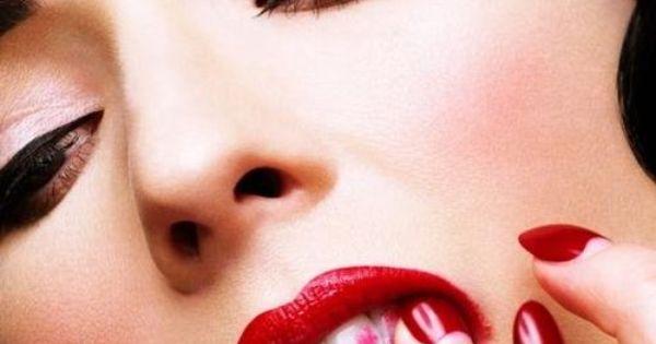 Dita Von Teese red lipstick