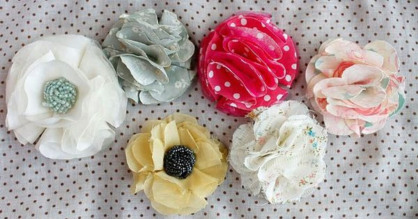 These no sew fabric flowers could be used for decorations, head bands