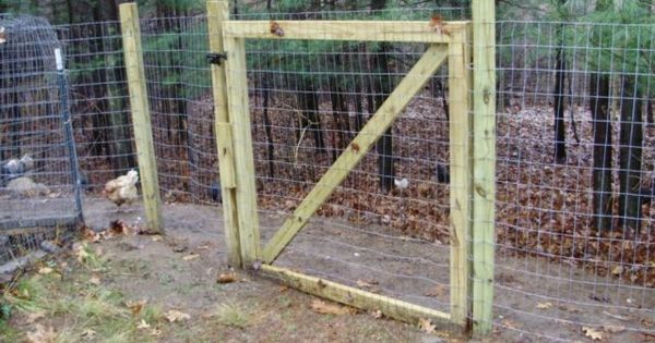 Make your own goat proof fence critters goats sheep for Make your own fence