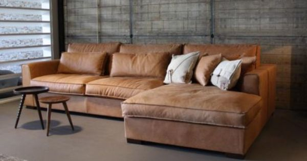 Cognac lederen sofa met chaise longue bank pinterest for Wooninrichting woonkamer