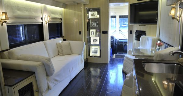 Gypsy interior design dress my wagon serafini amelia Tour bus interior design
