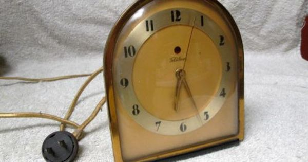 Vintage art deco ge telechron brass electric clock model 4 for Cool nightstand clocks