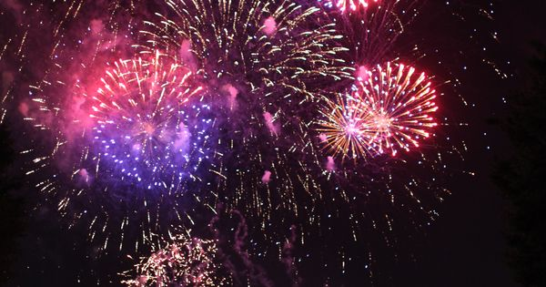 july 4th fireworks boston 2015 time