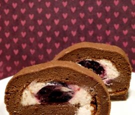 Black Forest Swiss Roll A Beautiful And Light Chocolate Sponge Paired With Freshly Whipped Cream And Pitted Cherries Htt Swiss Roll Cake Roll Swiss Roll Cake